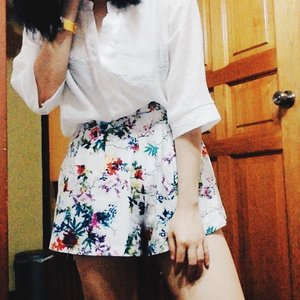 Floral bottom worn to death #ttrootd #vscocam #vsco #clozette #ootd
