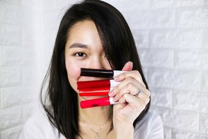 1 tube, full make up. Made an unboxing, swatch, review and full make up using only @snoebeautyinc Glam Jam. .  I love both strawberry and bubblegum. Pwede sa lips and cheeks for natural look! Plus these tints have nice smell at hindi mapait. Very long lasting, not sticky and easy to apply. And the best part? It's only P199 pesos!  Video link on bio. https://youtu.be/OeAzf7eynQ4 . #snoebeautyinc #glamjam #snoebeauty