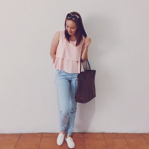 Pastel colors are in this year! My outfit on the go perfect for casual meet ups!