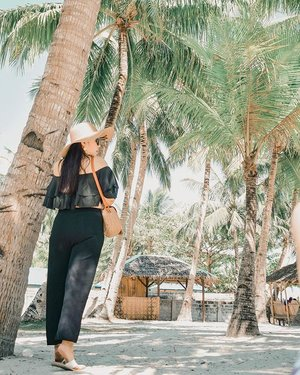 Find me under the coconut trees.🌴 #Clozette #SugboPh