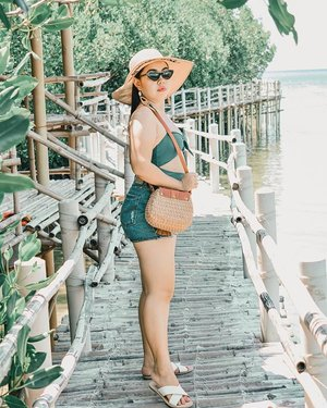 Dear summer, don't leave... #SugboPh #OboObMangroveEcoPark #Clozette . . . . . . . #bantayanisland #cebuphilippines #itsmorefuninphilippines #springsummer2019 #beachbabes #swimsuitph #bikinibabe #philippinestravel #travelstoriesph #globetrotting #thatsdarlingmovement #travelblogging #islandgirls #pinayblogger #bloggerbandfam #fashionblogging #ootdpost #swimwearfashion #dametravel #wheretofindme #teacherstyle #wearetravelgirls #asiatravel #summer2019