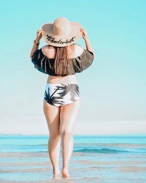 Go where you feel most alive!🌊🌴 #clozette #summer2019 #bloggerbandfam #sugboph . . . . . . . #thatsdarlingmovement #bantayanisland #itsmorefuninph #pinayblogger #fbloggerstyle #travelblogs #summergoals #beachbodyondemand #swimwearfashion #wheretofindme #darlingescape #teacherstyle #choosephilippines #everydayphilippines #abmtravelbug #philippinediscoveries #travelblogger #beautifuldestinations #asiatravel #cebucity #beachbabes #travelstoriesph #travelgirlsgo #travelgirlshub #girlspowertravel