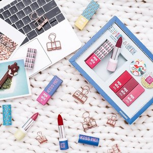 [Giveaway] Bcos being normal is too overrated. Let's inject some fun to our life with @3inasg Pick & Mix lipstick customisation. Choose from 16 shades of Matte, Metallic and Shiny finish and pair them with 16 totally gorgeous case designs. Oh yes, the puppies are vegan and will be available in @3ina stories from 31st May. You will also receive a complimentary coaster to pen with every purchase of a Pick & Mix Lipstick from 31 May. to 2 June. . Together with 3ina, 3 of my blessed followers will be able to walk away with 1 #PickandMix set each. . All you need to do is to: 1)Follow @3inasg  n @mshannahchia  2) Tag 2 of your most fun loving makeup fanatic friends 3) Comment on the post with your fav #3ina lipstick shade . Contest ends on 30 May 2359. Share this on your ig story for more chances of winning. Multiple entries allows. . . . . . . . .#hannahsbeautystash #sgbeautyblog #sgbloggers #sgbeauty #sgbeautybloggers #beautyblogger #bbloggers #singaporebloggers  #clozette #beautydiary #beautyessentials #beautyflatlay #beautyfreak #beautytalk#beautygram #beautyblogs #beautysg #beautystuff #beautyaddict #beautycare #beautychat #beautydiaries #beautymania #beautycommunity #3inasg