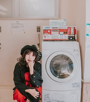 Waiting for my laundry to be done 🧺 . . 📷 @williamiskandar . . . . #clozette #clozetteid #portrait #lookbook #selfportrait #yunitainjapan #lifestyle #ootd #japan #japanlaundry #explorejapan #wheninjapan