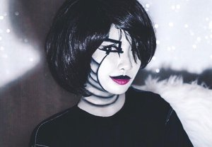 With Deepavali celebrations nearly completed, we are back with our 3rd Halloween look! Also, always wondered why I have never done a black and white still before, so here you go 😉 . Inspired by two characters; one being Mavis from Hotel Transylvania and the other being Mettaton from Undertale, here we have this monochromatic look. It took me around 2 hours to get the shading down (though tbh I'm not fully satisfied with it; but in terms of the overall canvas, I guess the finished result of the duo is pretty alright 👍🏼🙈) . In the meantime, hope you guys enjoy this look and as always, full details of the products used will be listed down below for reference as well 🖤 . Products Used: @fentybeauty Pro Filt'r Hydrating Primer @breenabeauty Blending Pearl @makeupforevermy Flash Palette @nyxcosmetics_my Sfx Créme Color in Black @makeupforevermy Ultra HD Loose Powder @maybelline Hyper Sharp Liner In Black @katvondbeauty Anti- Precision Eyeliner @physiciansformulamy Eye Booster Mascara @lashbarmalaysia Lashes in A7 @physiciansformulamy The Healthy Lip In Magentle Formula . #sephora #sephoramy #beauty #maybelline @sephoramy #physiciansformulamy #healthybeauty #pfhallowin #makeuptutorial #makeupart #beauty #makeup #undiscovered_muas #makeupartistsworldwide #instabeeyou #instabeauty #katvondbeauty #wakeupandmakeup #penmyblogmakeup #fiercesociety #favfulfeatures #clozette #halloweenmakeup