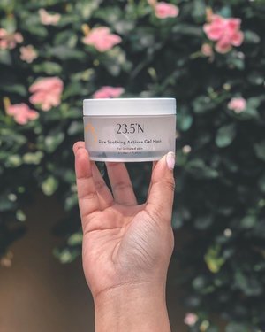 Brought this beauty with me to Bali and it served my skin extremely well, especially under the heat and humidity that we had there 🌅☀️🏝 . Now I did mention to you guys that I would be giving a quick breakdown of @23.5nofficial products since I have been using the brand for awhile now; and the Rice Soothing Active + Gel Mask is one that I especially enjoyed; mainly because it is gentle and meant for sensitive skin 👍🏼 . The texture for this is very light and when applied on, it gives the skin a rather cooling splash of hydration which was very soothing. It also minimised any form of redness and irritation which I liked, plus as mentioned in my earlier stories, it is made from all natural botanical ingredients as well 👏🏼 . In the meantime you guys, @sasamalaysia 's Beauty Around The World campaign is still running till the 1st of September 2019, so do remember to pop by and check out @23.5nofficial at all @sasamalaysia stores nationwide ☺️👌🏻❤️ . .#23.5N #SaSaMalaysia #BeautyAroundTheWorld @sasamalaysia #skincare #newrelease #beauty #taiwaneseskincare #naturalskimcare #underratedmuas #undiscovered_muas #makeupartistsworldwide #instabeeyou #instabeauty #wakeupandmakeup #makeupobsessed #makeupartist #makeuplooks #makeuplife #fiercesociety #favfulfeatures #clozette