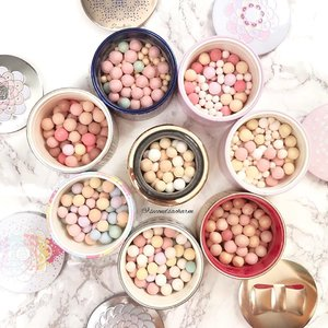 ❤️Guerlain Meteorites, one for every occasion.. Currently using the new Guerlain Summer 2018 Rainbow Meteorites to set my makeup daily. Doesn't contain glitter like the rest..❤️Which is your favorite? 💕💕