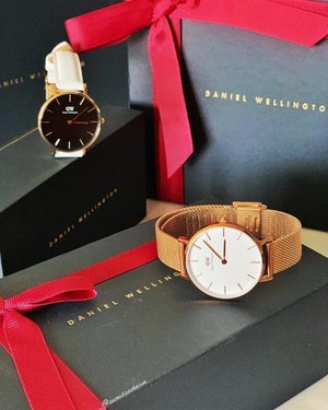 We love the convenience of shopping online but the experience of shopping in-store is irreplaceable... Don't you think?.... ⭐️Enjoy a 15% off storewide when you show this post & code crystal19 at all official #DanielWellington stores in Singapore & also Malaysia! Promotion is valid for 1 month only!