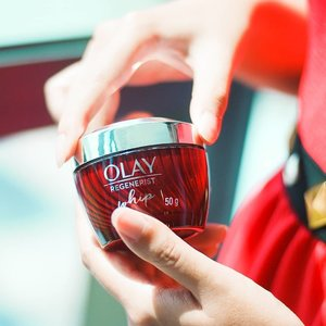 These new #OlayWhips magically melt like butter when the cream touches your skin! Available at @watsonsmy