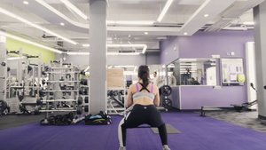 Gooooood morning! Recently I've been HOOKED on activating my glutes before workout.  Not only does it help make our 🍑 more shapely, it also helps prevent injuries because it doesn't let all the other muscles pull off all the work.  You can try these 3 eaaaaasy exercises with a resistance band like the one I'm using from @impetusph for extra burn 🔥  Bodyweight Squat 10 reps 3 sets Clamshell 20 reps per side 3 sets Duck walks 10 steps front and back 3 sets  #ImpetusPh #activewearph #workout #glutes #glutegoddess👸🏽 #machomomworkouts #MakeTheMove