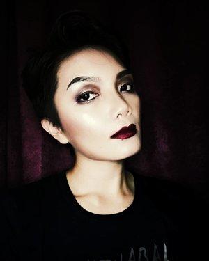 Evil Mode  #sasatinnie #anastasiabeverlyhills #lagirl #kyliecosmetics #wishtrend #dearklairs #ittified #ricedolls #wakeupandmakeup #makeup #thebalm #muasabah #juicywasabi #clozette #motd #lookoftheday #selfie #selca #maybelline #maleficentmakeup #evilmakeup #justforfun