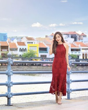 Get your cny shopping fixed now, wearing this gorgeous lace number from @thedesignclosets