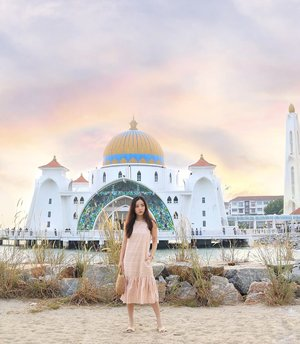 Chasing sunset ☀️ at Melaka's beautiful Straits Mosque in @thefleurlabel stripes dress! Exclusively stocked at @shoptheshowcase , stocks are running low