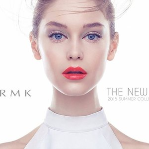 ~~first look: now this is what we called glowing, super excited about this! Summer lips is going to be quite an impact from #RMK~~ #clubinstagram #instagood #instamood #lifestyleblogger #bblogger #lifestyle #beauty #fashion #look #motd #love #makeup #cosmetics  #sleek #modern #futuristic #clean #white #radiance #glow #bright #upclose #face #model #red #strong #lip #summer #clozette
