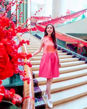 Legit reason to wear cheongsam inspired dress... it is Chinese New Year!  初二 #ootd from @joopboutique. . . . . . #joopboutique #fashionable #fashionaddict #fashionblog #fashiondaily #fashiondiaries #fashiongram #fashionlover #fashionpost #fashionstyle #fblogger #instastyle #lookbook #lookoftheday #mylook #ootdshare #outfitoftheday #outfitpost #mselaineheng #styleblogger #styleoftheday #stylish #todayimwearing #todaysoutfit #trendy #whatiwore #whatiworetoday #wiw #clozette