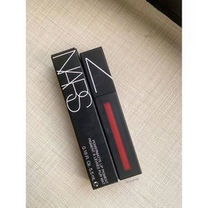 Second @narsissist purchase this year - Powermatte Lip Pigment in StarWoman. One swipe of this lipstick makes the perfect red lip, a second swipe makes it too dark and drying. . . . . . . #nars #powermattelippigment #starwoman #redlips #discoverunder10k #discoverunder1k #igsg #clozette #뷰티블로거 #뷰티그램 #뷰티방송 #k뷰티 #메이크업 #abbeatthealgorithm #abcommunity