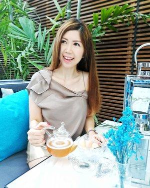 Congrats Arteastiq Grand opening on yet another branch in an iconic location at Jewel Changi!  #arteastiq #grandopening #jewelchangiairport #AsiaOneMostPromisingPersonality2018 #MrsChinatownInternationalAllNation2018 #MrsBeautifulSkin2018 #MrsChinatownSingapore2018 #celestiafaithchong  #beautydeconcierge #beautyconcierge #aesthetic #cosmeticsurgery #plasticsurgery #imageconsultant #marketer  #msbabelovebebes #influencer #imagecoach #clozette #starclozetter #baseentertainmentambassador
