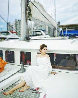 The ocean is everything I want to be. Beautiful, mysterious, wild, and free.  #AsiaOneMostPromisingPersonality2018 #MrsChinatownInternationalAllNation2018 #MrsBeautifulSkin2018 #MrsChinatownSingapore2018 #celestiafaithchong  #beautydeconcierge #beautyconcierge #aesthetic #cosmeticsurgery #plasticsurgery #imageconsultant #marketer  #msbabelovebebes #influencer #imagecoachmyvalentines #clozette #starclozetter #baseentertainmentambassador