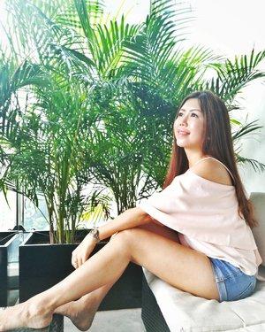 It's Monday. I'm Happy. I'm Blessed. God is going to do amazing things this week.😊 #AsiaOneMostPromisingPersonality2018 #MrsChinatownInternationalAllNation2018 #MrsBeautifulSkin2018 #MrsChinatownSingapore2018 #celestiafaithchong  #beautydeconcierge #beautyconcierge #aesthetic #cosmeticsurgery #plasticsurgery #imageconsultant #marketer  #msbabelovebebes #influencer #imagecoach #clozette #starclozetter #baseentertainmentambassador