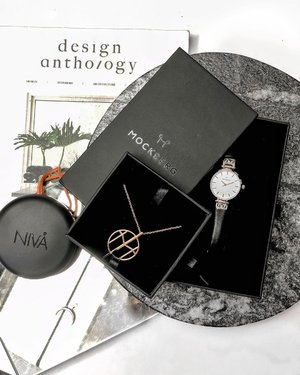 A flatlay a day, keeps the bad mood away! • Loving my new @mockberg watch & accessories! 😍 • Use code 'malaysia20' / 'singapore20' for 20% off on the website . . . . . . . . . . . . . . . . . . . . . . . . . . . . . . . . . . . #earphones #wirelessearbuds #sudio #sudiomoments #sudiosweden #sponsored  #wirelessheadphones  #bluetoothheadphones #musiclover #earphone🎧  #earphonebluetooth  #earphone  #bluetoothearphone  #fashionpic #clozette #flatlay #flatlays #flatlaystyle  #fashionpic #clozette #whiteflatlay #flatlaylove #flatlaysquad #flatlaygoals #flatlayinspo #fashionaccessories #fashionflatlay