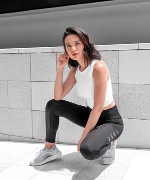 """Finally got my hands on @zeal_official.ig very first female collection! 🖤 • Quote """"Suz15"""" to get additional 15% off ! . . . . . . . . . . . . . . . . . . . . . . . . . . . . #singapore #sgfitness #healthsg #healthysg #healthylifestyle #fitnesssingapore #fitsingapore #fitnessasia #healthybody #fitness #fitnessmotivation  #fitspo #instafit #instafitness  #clozette #favesfitness"""
