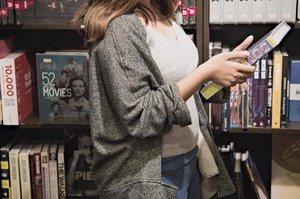 Bookstores are my jam 📚#clozette