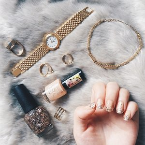 These are a few of my favourite things~ #clozette #flatlay #flatlays #flatlaythenation #fromwhereistand #nailsoftheday