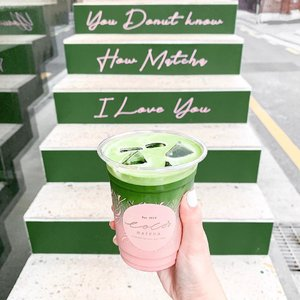 It's a matcha made in heaven 🍵😌#cocosmatcha #suitcasetravels #weekendslikethese #morningslikethese #dametraveler #thespacesilike #searchwandercollect #justbehue #clozette #howihue #walltraveled #colourcolourlovers #prettylittleiiinspo #seoultravel #한국여행 #visitseoul #인스타카페 #한국여행 #한국여행 #koreacafe #seoulcafe #koreancafe #cafehopping #예쁜카페