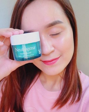 Full thoughts on the @neutrogename Hydro Boost Water Gel is now posted in the blog. 💗 Direct link in my profile. 😉💕 #bloominzahra #neutrogenahydroboost . . . . . #clozette #clozetteco #bloggersph #mydubai #blogph #dubaibeautyblogger #dubaibeautybloggers #igersph #igetsmanila #iranigirl #iranianblogger #iraniangirl #abcommunityph #abcommunityuae #skincareroutine #skincareph