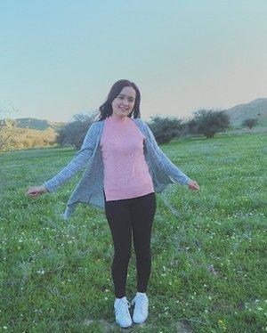 Keep smilin', keep shining ✨ #bloominzahra #ZahraWanders . . . . . #clozette #clozetteph #mydubai #iran #wheniniran #iraniangirl #dubaiblogger #travelph #dubaibloggers #bblogger #uaebloggers #uaebloggers #bloggersph #blogph #igersmanila #igersph #instagood #pinaybeauty #lifestyleblogger #irantravel #view #natures #flower
