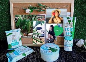 I just discovered an incredible skincare brand 💙 @fresh_philippines Jeju Aloe Ice essentials: Make-up Remover Wipes, Gel Lotion, and Soothing Gel. 😍❄️ This brand is so amazing!!! It gives me a cooling effect that instantly freshen me in and out. 👏 Furthermore, my skin feels so soft and smooth right after the gel dries. Ahhhhh! Very satisfying!!! I can say that this brand is a MUST-TRY!!! Get yours @fresh_philippines 💚 I will post on my IGTV my moments with JEJU ALOE ICE and my review. #fresh #freshph #clozette