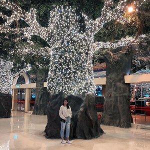 I got no more money in my pocket 😭 . . . #clozette #sgblogger #singaporeblogger #follow #followme #poppyshootrandoms #love #pretty #iger #igsg #instadaily #vscocam #vscosg #photooftheday #potd #iphonegraphy #iphonex #asians #instaphoto #photography #throwback #ootd #selca #selfstagram #postthepeople #poppyswanderlust #genting #shorttrip #weekend