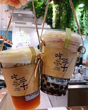 吃茶三千 (ChiCha SanChen) is here!!! 🤩 With freshly brewed-to-order tea drinks, @chichasanchen.sg from Taichung, Taiwan, is really taking things to the next level - Love how they are so passionate about their tea here and it really makes me appreciate their drinks even more. If you're a tea lover, and I meant traditional tea lovers where you will specially brew your tea leaves in teapots and have them in tea cups, you'll loveeee this place! My favorite is the Cassia Black Tea with Mouse and their Signature Milk Tea with Bubble is also worth the try! Officially opening on the 14th of May~ See you there? Hehehe #ChiChaSanChen #SanChensg #吃茶三千