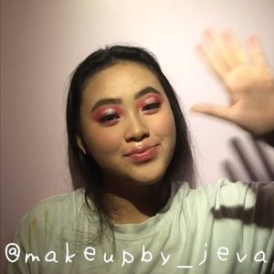 🦍Follow (me) @makeupby_jeva for more makeup💄 videos and photos •  Hallo eyes👾👩🏻🎤~~~~~~~~~~~~~~~~~~~~~ Eyebrow @absolutenewyork_id  Contour @lagirlindonesia  Eyeshadow @nyxcosmetics_indonesia @minisoindo  Concealer @maybelline Eyelashes @blinkcharm ~~~~~~~~~~~~~~~~~~~~~ for more details on the product that I use on this look, comment down below  #hudabeauty #nyx #maybellinefitmefoundation #lagirlcosmetics #makeup #lagirlproconcealer #jevamakeup #sephoraid #mnyitlook #absolutenewyorkid #nyxcosmeticsid #rudecosmetics #prsearch #clozette #makeuptutorial #makeup @tampilcantik