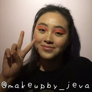 🦍Follow (me) @makeupby_jeva for more makeup💄 videos and photos • 👸🏻👸🏼👸🏽👸🏾👸🏿 ~~~~~~~~~~~~~~~~~~~~~ Eyebrow @absolutenewyork_id  Contour @beautycreations.cosmetics  Highlighters @minisoindo @beautycreations.cosmetics  Eyeshadow @nyxcosmetics_indonesia Concealer @maybelline  Mascara @benefitindonesia  Liner @3ce_official ~~~~~~~~~~~~~~~~~~~~~ for more details on the product that I use on this look, comment down below  #hudabeauty #nyx #maybellinefitmefoundation #lagirlcosmetics #makeup #lagirlproconcealer #jevamakeup #sephoraid #mnyitlook #absolutenewyorkid #nyxcosmeticsid #rudecosmetics #prsearch #clozette #makeuptutorial #makeup @tampilcantik #lagirlindonesia