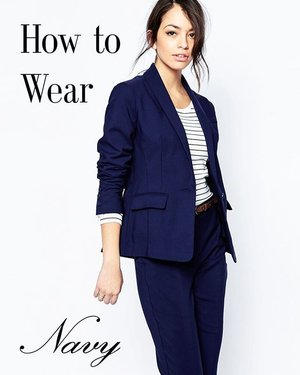 Have something in navy but not sure how to wear it? I might have just what you need! The latest blog entry has tips on styling this gorgeous shade of blue (my favourite), so hop on over now! 💋 #style #fashionstyle #fashionblogger #styleblog #styletips #navy #clozette #lifestyle #dressforsuccess #perfectfit
