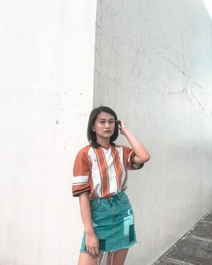 slaying my outfit from thrift shop Top (auth nike)- 80php Skirt- 100php . . . #theclassicsph #clozette #ootd #thriftshop