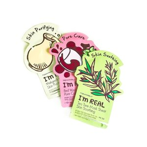 Quite like tony moly mask cause they ain't sticky. It absorbs well which I think is good, it isn't very heavily fragranced too. It doesn't smell like alcohol which is good! I don't like to pull out a mask sheet smelling like I pulled an antiseptic wipe 😅  Plus the designs are cute so why not right!!!! #clozette