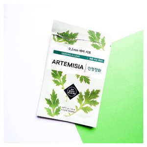 [Sheet Mask Review] I'm highly interested and convinced that Etude House sheet masks are great, since it's affordable and really nice to use! -- 😽 Product Name 😽 Etude House Artemisia Sheetmask Review -- 😽 What is it 😽 • The Artemisia Air Mask contains soothing and calming Artemisia princeps leaf extract, alongside brightening licorice and ginger extracts, hydrating hyaluronic acid and healing green tea extract. -- My thoughts: 🌬 Packaging 🌬 Simple packaging that shows its main ingredient of the mask. 🌬 Scent 🌬 Lightly scented but doesn't bothers. 🌬 Texture 🌬 Liquid, watery. 🌬 Fitting 🌬 Perfect fit. Hugs onto my skin and doesn't budge too much. The material is thin so it doesn't feel uncomfortable. 🌬 Results 🌬 Soothing results wasn't instant but skin looks less red and more calmed after masking. Best results is to place this in a fridge before use. I can't tell if it really healed acne, it probably did not. All it did was not further aggravate my skin. Since acnes can be picky to a lot of products and do worse than good. Overall I'm satisfied. However, I still prefer the ceramide mask at the moment. 🌬 Ratings 🌬 4/5 #abbeatthealgorithm  #clozette #rasianbeauty #yourgirlbossbeautyblogmaskreview #abcommunity #memebox #naruko #sheetmask #koreanbeauty #kbeauty #amabiebeauty #koreanmakeup #korea #blogger #madecassoside #etudehouse #onesheetmaskaday #artemisia