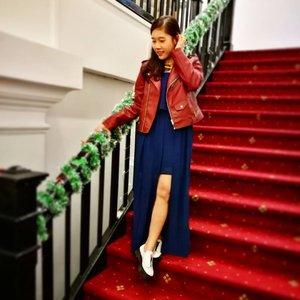 Suddenly feel that i have long legs. 😁 . . 📷: @vera_talia #lbrlabel #leatherjacket #ootdsg #ootdtinspired #ootd #lookbooksg #sgig #wiwt #throwback #christmasparty #ootdcampaign #clozette #starclozetter