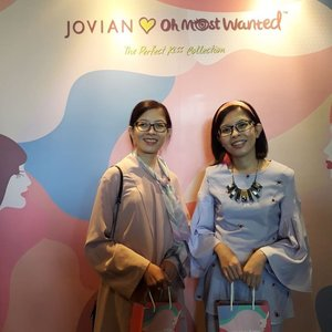 Congrats again on the amazing & beautiful launch of The Perfect Kiss collection by #JovianLovesOhMostWanted! A inaugural collaboration of @jovianrtw ❤️ @ohmostwantedlook. An exclusive set of Hijab & Lip Cream that looks fun, vibrant & witty comes in 3 selection of Prints & Lip colours, definitely a must have collection for all Jovianista! Thanks to Dato' Jovian & team for having us! 😍🧣💄🎈 #TGIF #JovianMandagieTower #JovianMandagie #OhMostWantedLook #Camwhore #Camwhoring #Candid #Randompics #Blogger #MalaysianBlogger #LifestyleBlogger #Influencer #Clozette #StarClozetter #instapic #instaphoto #igers
