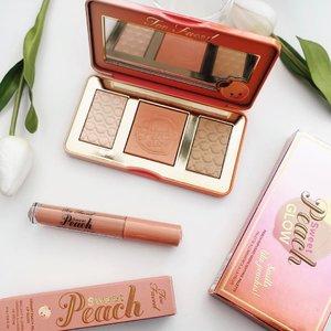 Feeling dizzy peachy today 😍// #clozette #toofaced #makeupjunkie #highlighter #lipbalm #blusher #peach #peachpalette #peachy #beautyjunkie #MyNewClozette #smile #happy #Tuesday