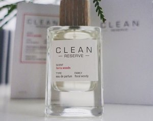 My favourite scent Terra Woods from #CLEANreserve, a new collection of nine fragrances. Fresh, zesty yet with a woody base, something I can share with hubby who loves a good perfume. Launching next month @sephorasg. // #clozette #cleanreservesg #reserveyours @cleanreserve
