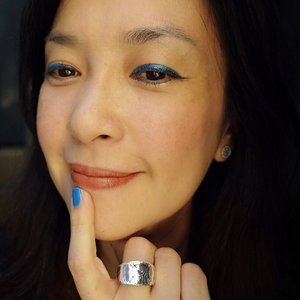 #happy #matchy matchy eyes & nails #Friday!!! // trying out #laneige #artplayliner #turquoiseblue #navy that matches my #Maybelline #colorshow #nailpolish in #shockingSeas #cuteColorName ^^ #DIY #clozette
