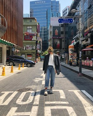 Add title here. #ootd #travelootd #travel #korea #seoul #style #clozette #adererror #uniqlo #latergram
