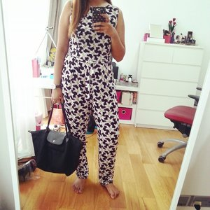 Love this jumpsuit from Dorothy Perkins ♥ Makes going to the ladies a biatch, but its super comfy and flattering! ♥ ________  #perfectweekendoutfit #outfit #clozette #bbloggers #bblogger #fashion #style #dorothyperkins #lotd #ootd #sgblogger #lifestyleblogger #instagood #instadaily #instasg #instapic #sgblogger #singapore #sgfashion #sgstyle #instafashion #instastyle #jumpsuit #weekendootd