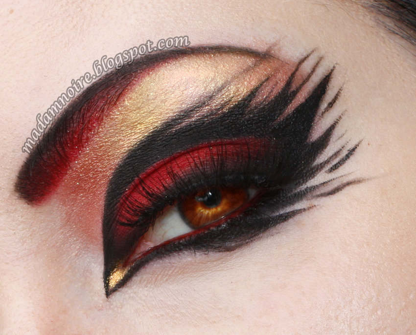 Another beautiful eye look by Madam Noire for Red and Black week. Check out the list of products on her blog here: http://madamnoire.blogspot.fi/2013/06/fire-walk-with-me.html