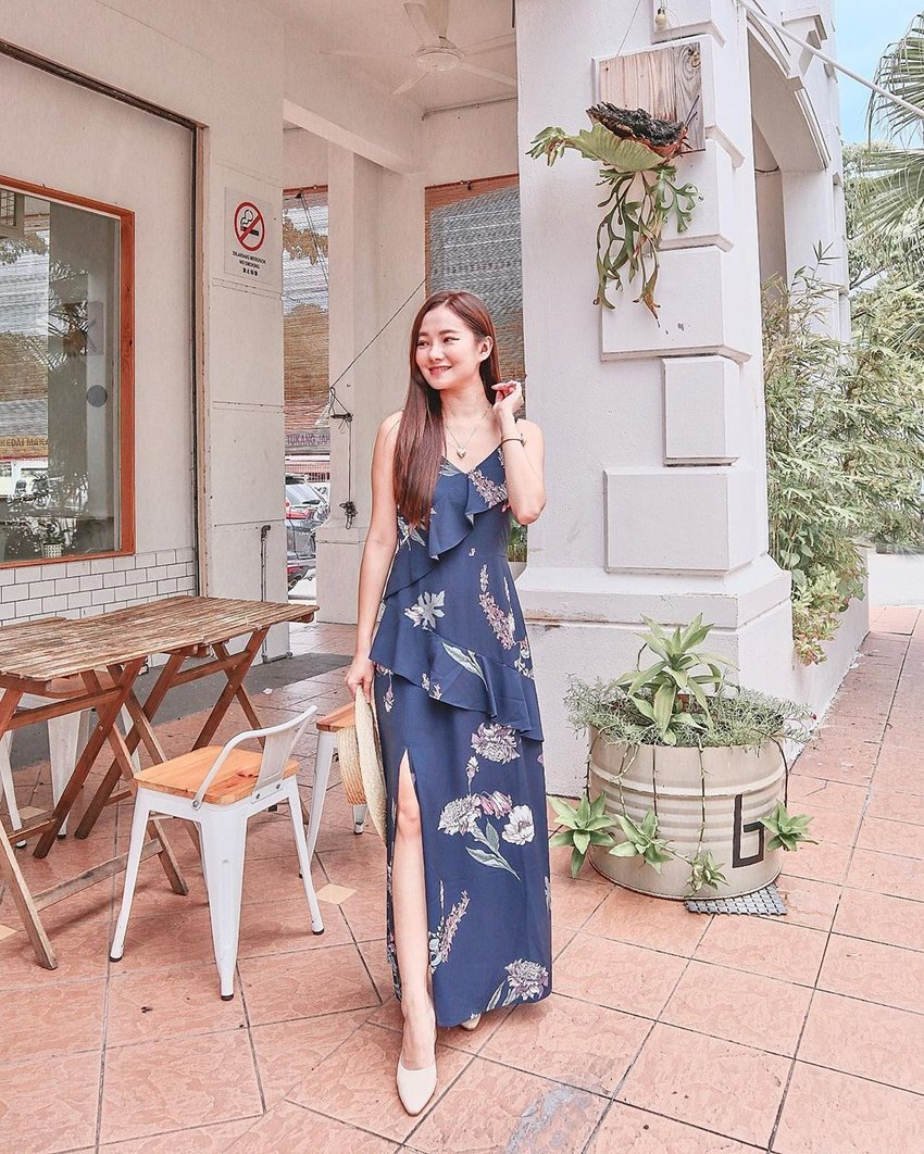 Just got back from msia and I'm planning my itinerary for my next trip! Guess where I'm heading next?☺️ Ft. Gardenia floral maxi dress from @shopveritajoy  #lingweiixootd