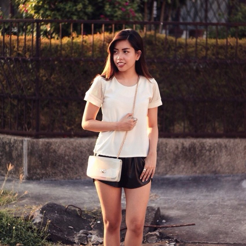 This outfit post/tips for beating the heat is now up on gelabeef.com 🌻 #Clozette #WhatGelaWore