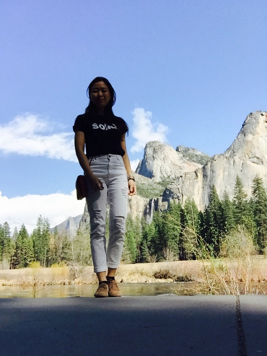 A quick visit at Yosemite Park. Crew neck top: Solid | white ripped jeans: Zara | Suede shoes